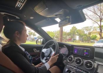Nên học lái xe ô tô số sàn hay số tự động